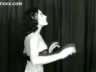 Playmate March 1954: Dolores Del Monte