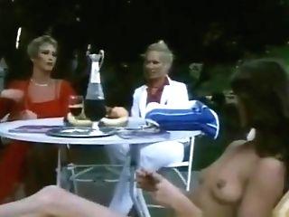 Retro Outdoor Lezzies 1973