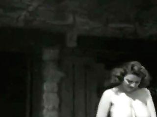 Bertha 1950's Sweet Farmers Daughter-in-law