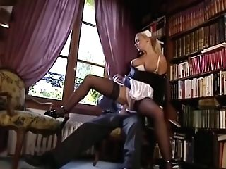 Laura Singer Ideal Maid To Fuck