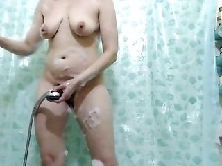 Nymph Washes A Gentle Bod In The Bathroom